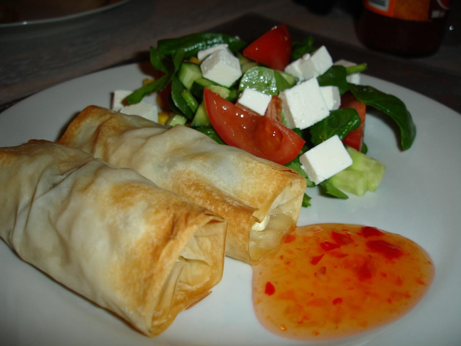 Forårsruller med kylling, spinat og feta