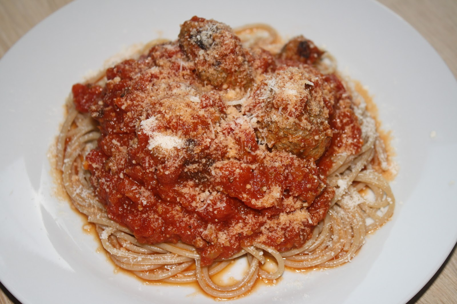 Opskrift på hjemmelavet Spaghetti & meatballs - Spaghetti & kødboller