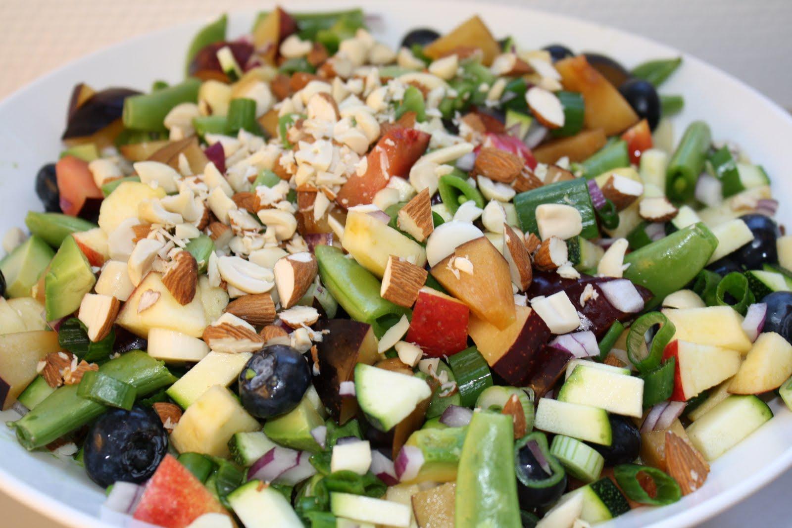 salat med ble avocado og citronolie.