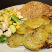 Kyllingelår på kartoffelbund med rosmarin