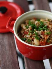 Lys chili con carne med hvide bønner og svinekød (4)