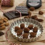 Ristede mandler med chokolade og lakrids