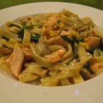 Frisk pasta med laks og spinat