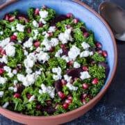 Rødbedesalat med grønkål og granatæble