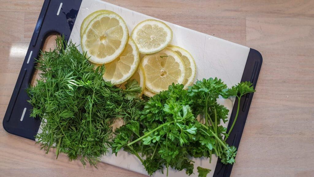 Krydderurter og citron