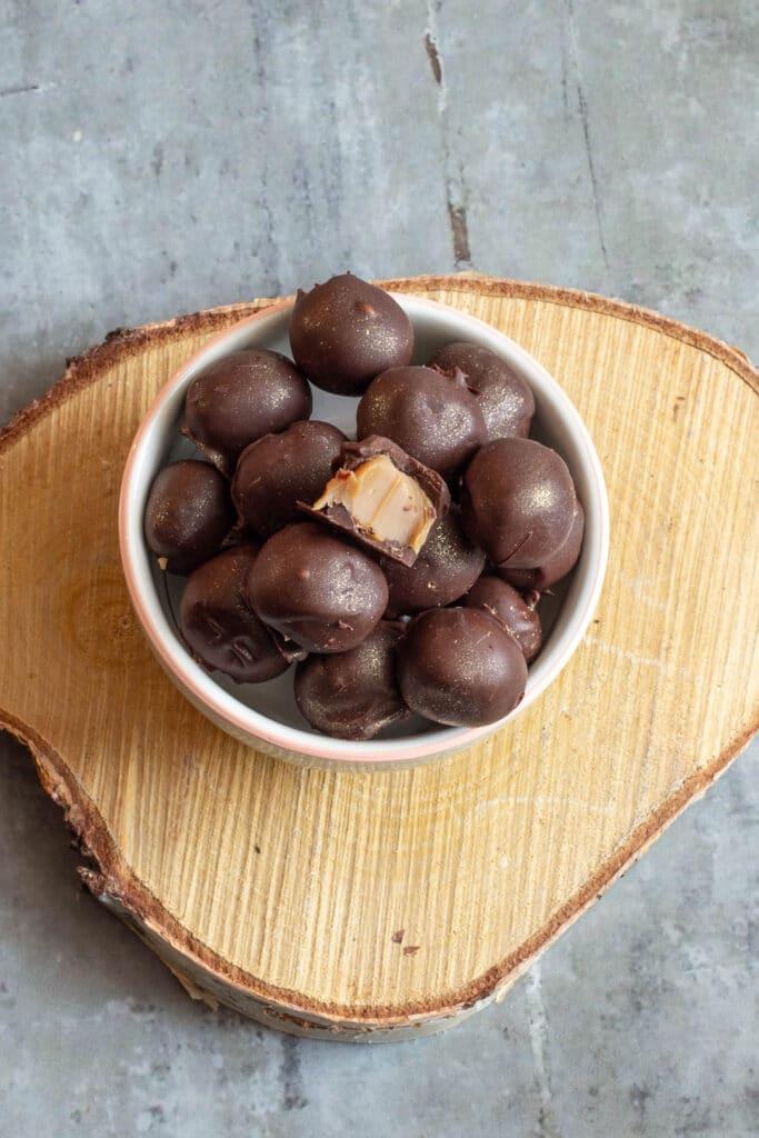 Chokoladetrøfler med karamel