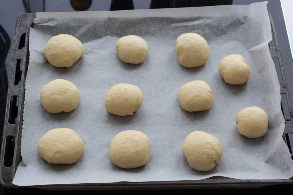 Fastelavnsboller med vaniljecreme