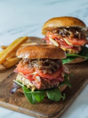Karameliserede løg til burger