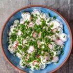 Kartoffelsalat med radiser og purløg